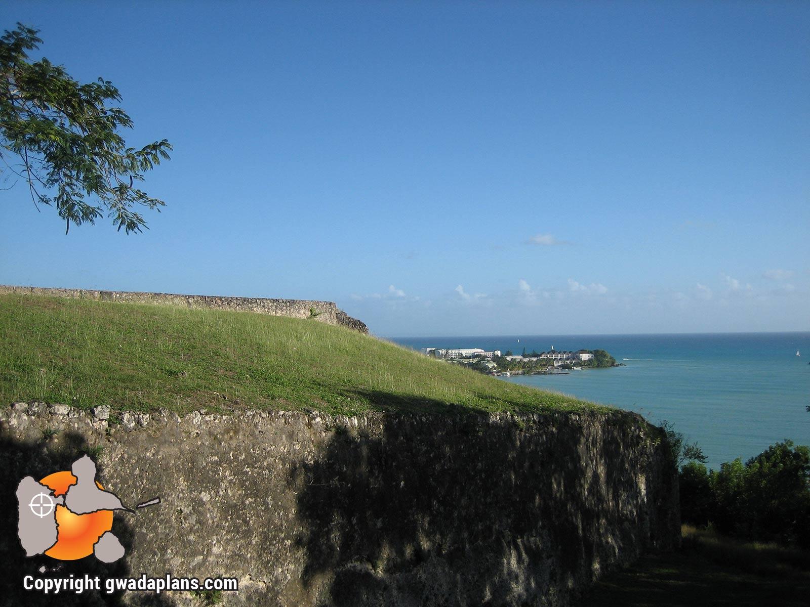 Vue sur la Pointe de la Verdure et ses hôtels