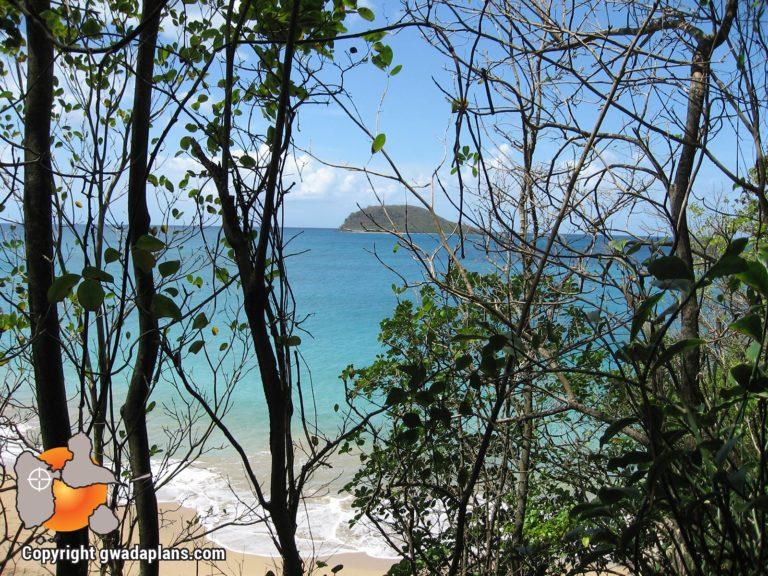 Plage sauvage et îlet Kahouane Deshaies