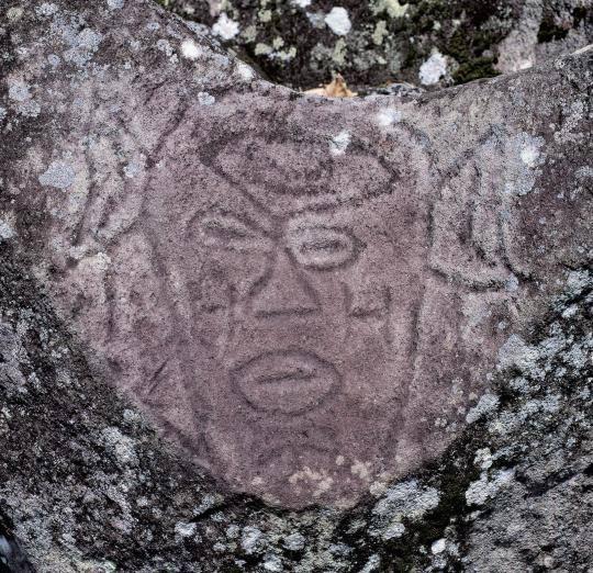 Probablement un chef de tribu - Parc des Roches Gravées
