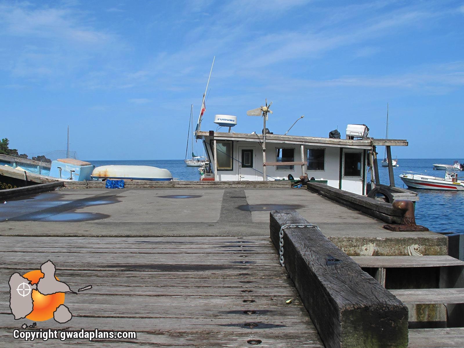 Anse à la Barque chalutier au ponton