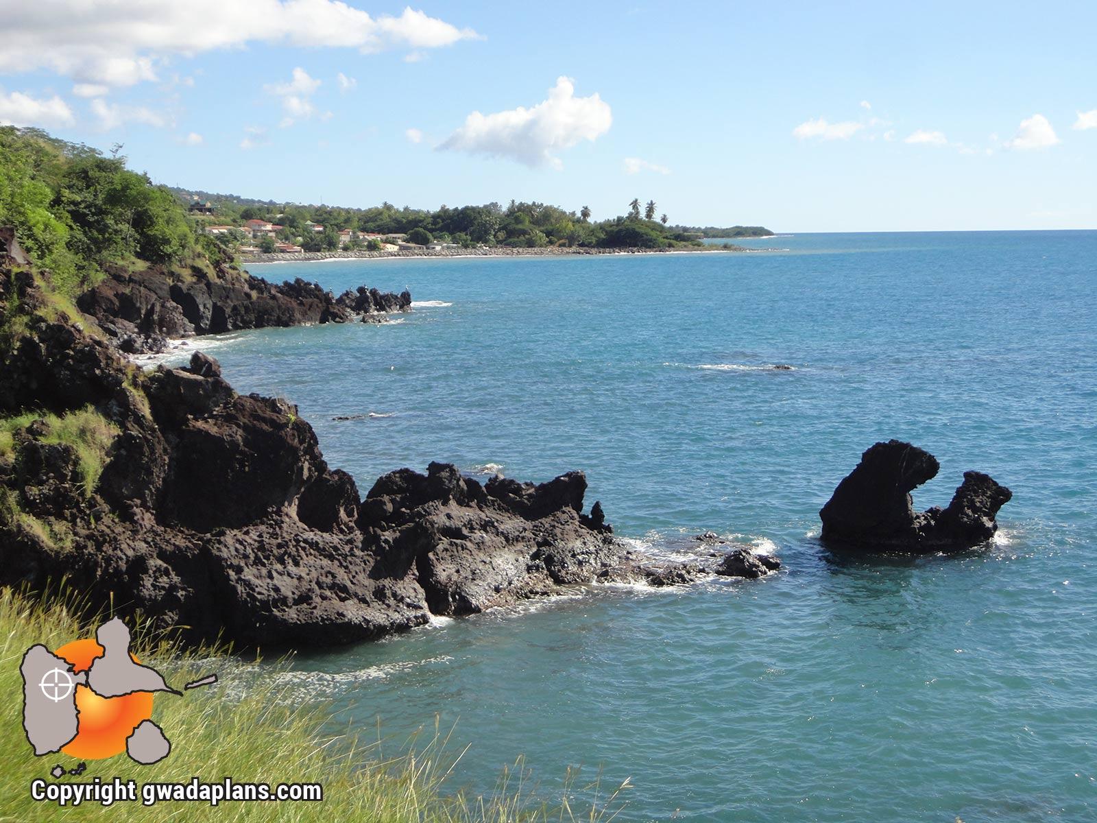 Vue de la Pointe Dibuque sur l'anse de Marigot