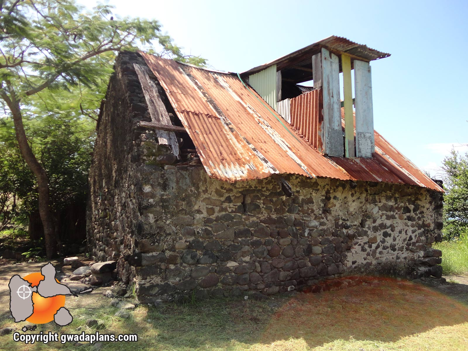Ancienne habitation - Anse Thomas
